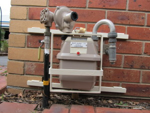 "Stopping a ""smart"" gas meter installation:  An Australian shows the way"